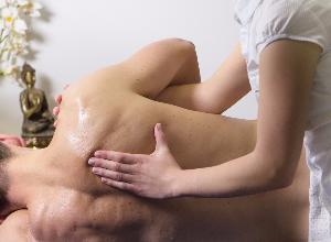 Terapia fisica, malattie croniche e dolori: le risposte di un esperto