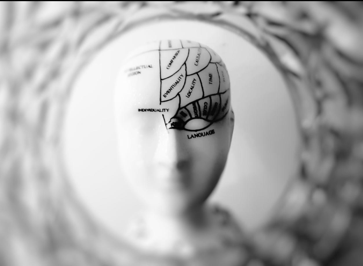 Come la depressione influisce fisicamente sul cervello?